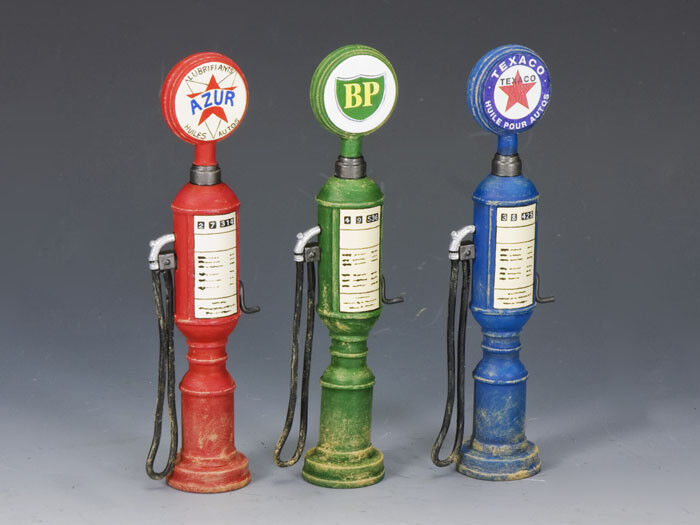 KING AND COUNTRY Petrol    Gas Pumps (set of 3) SP52 SP052 1 30 Scale