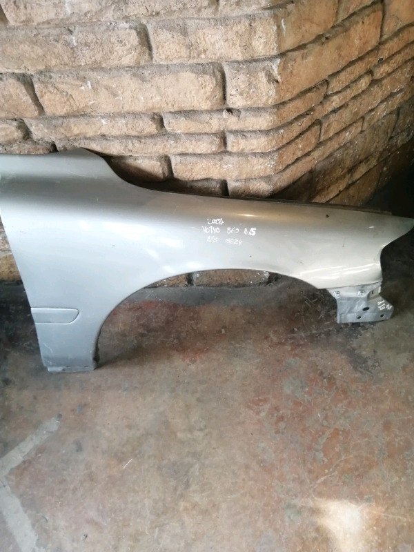 2001/2003 VOLVO S60 RIGHT SIDE FENDER FOR SALE