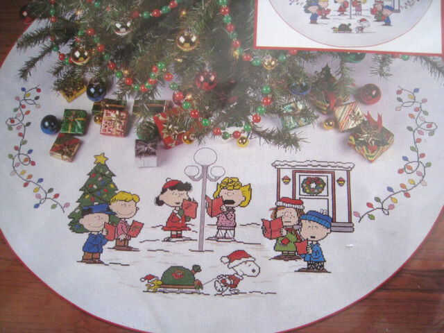 needle treasures christmas counted tree skirt kitsing alongschulzpeanuts2853