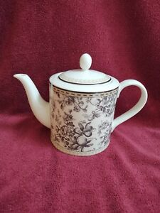 Royal-Doulton-Studio-Provence-Teapot-Black-White