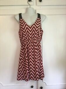 Everly-VGUC-Women-s-Dress-Red-White-Black-Size-Small