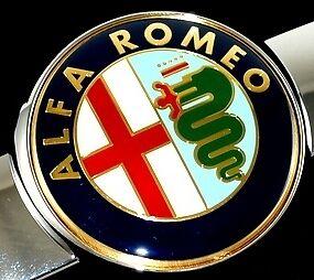 Alfa Romeo GT Emblème Front Emblème Logo Calandre 60681590