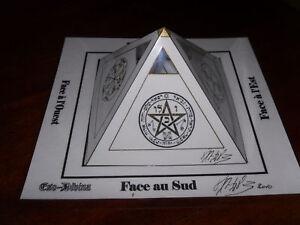 Pyramide-a-souhaits-Blanche-avec-talismans-Magique-Esoterisme-rare-inedit
