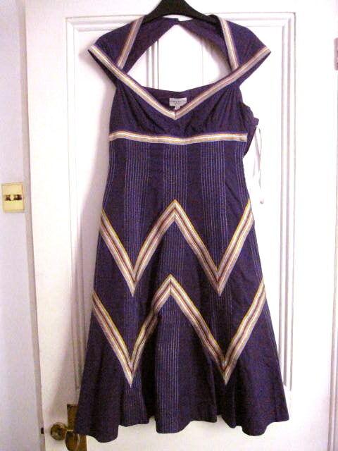 KAREN MILLEN magnifique robe nouveau w tags taille UK 10 Head Turning