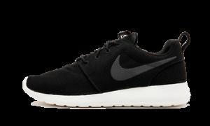 Nike Roshe One Men/'s Sneakers Black//White 511881-010