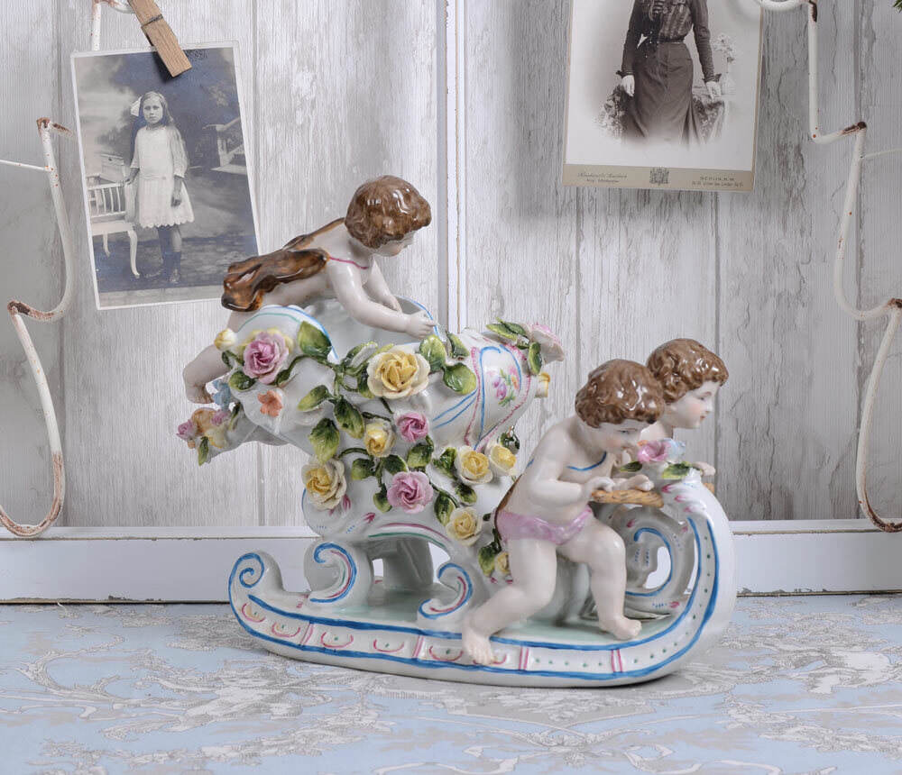 Group of Figures Porcelain Angels Sled Vintage Antique Style Style Style aaa508