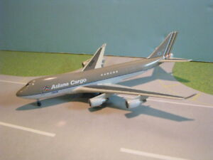 DRAGON WINGS (55973) ASIANA CARGO 747-400F 1:400 SCALE DIECAST METAL MODEL