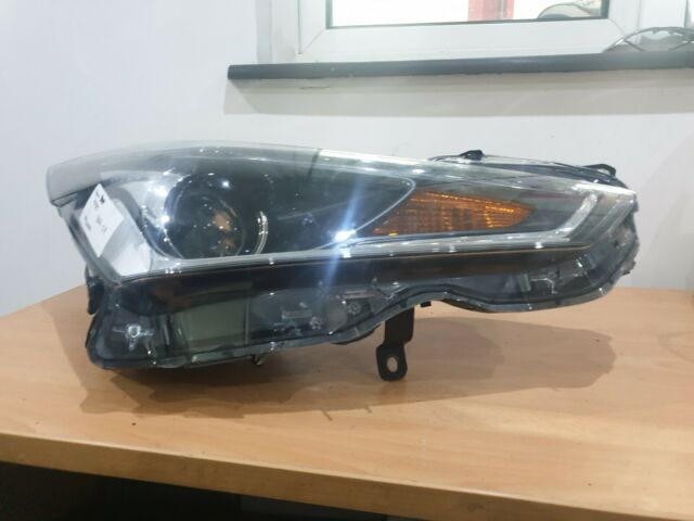 Genuine Toyota Aygo Front Drivers Side O/S Headlight 2014-Onwards. 811300H220