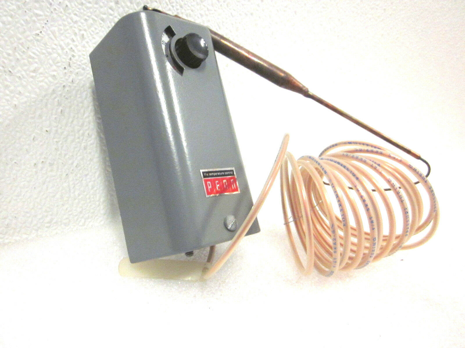 P.# 44-6369 **NEW** Penn THERMOSTATE Series A19 Temperature Controls