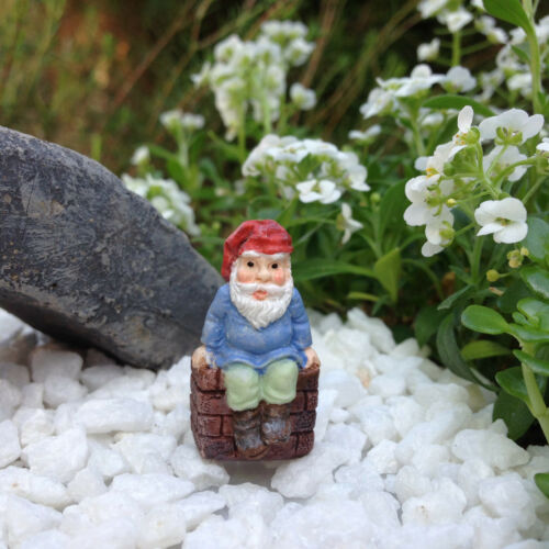 """Miniature Dollhouse FAIRY GARDEN  Accessories ~ TINY 1⅛/"""" Tall Gnome on Wall NEW"""