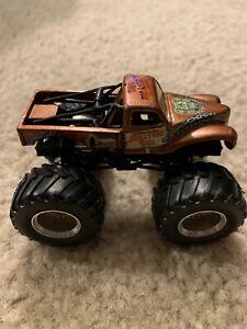 Monster Truck Dog >> Details About Junkyard Dog Hot Wheels Monster Jam Diecast 1 64 Truck