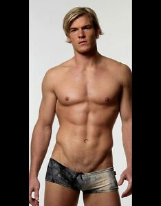 shirtless Alan ritchson