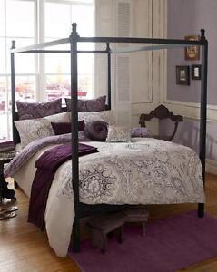 100% De Qualité Brand New Reema Violet Amethys De Couette Couette Par Elizabeth Hurley-afficher Le Titre D'origine Le Plus Grand Confort