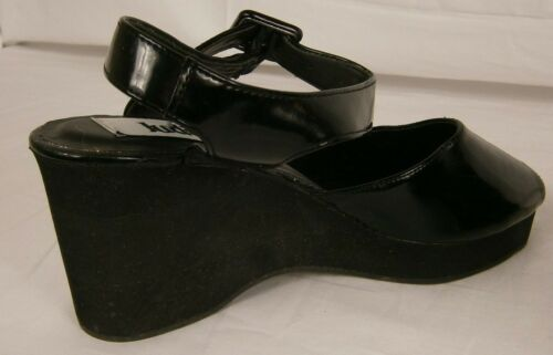 Judith Women/'s Black Ankle Strap Wedge Sandals Size 7 Item #697C