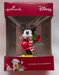 Walt-Disney-MICKEY-MOUSE-w-PRESENT-HALLMARK-CHRISTMAS-HOLIDAY-ORNAMENT-NEW