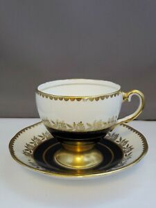 Salisbury-Bone-China-England-Teacup-and-saucer-1839-r