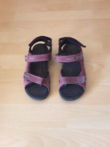 Ecco Sandalen Mädchen lila getragen