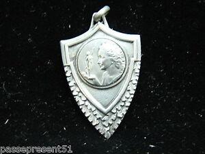 Volontaire Jolie Ancienne Médaille, Giraumont, 1967 Finement Traité