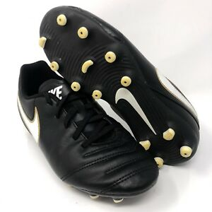 the best attitude 55fe1 7eaa0 Details about Nike Tiempo Soccer Cleats 819195-010 Kids Size 1.5Y Black  White