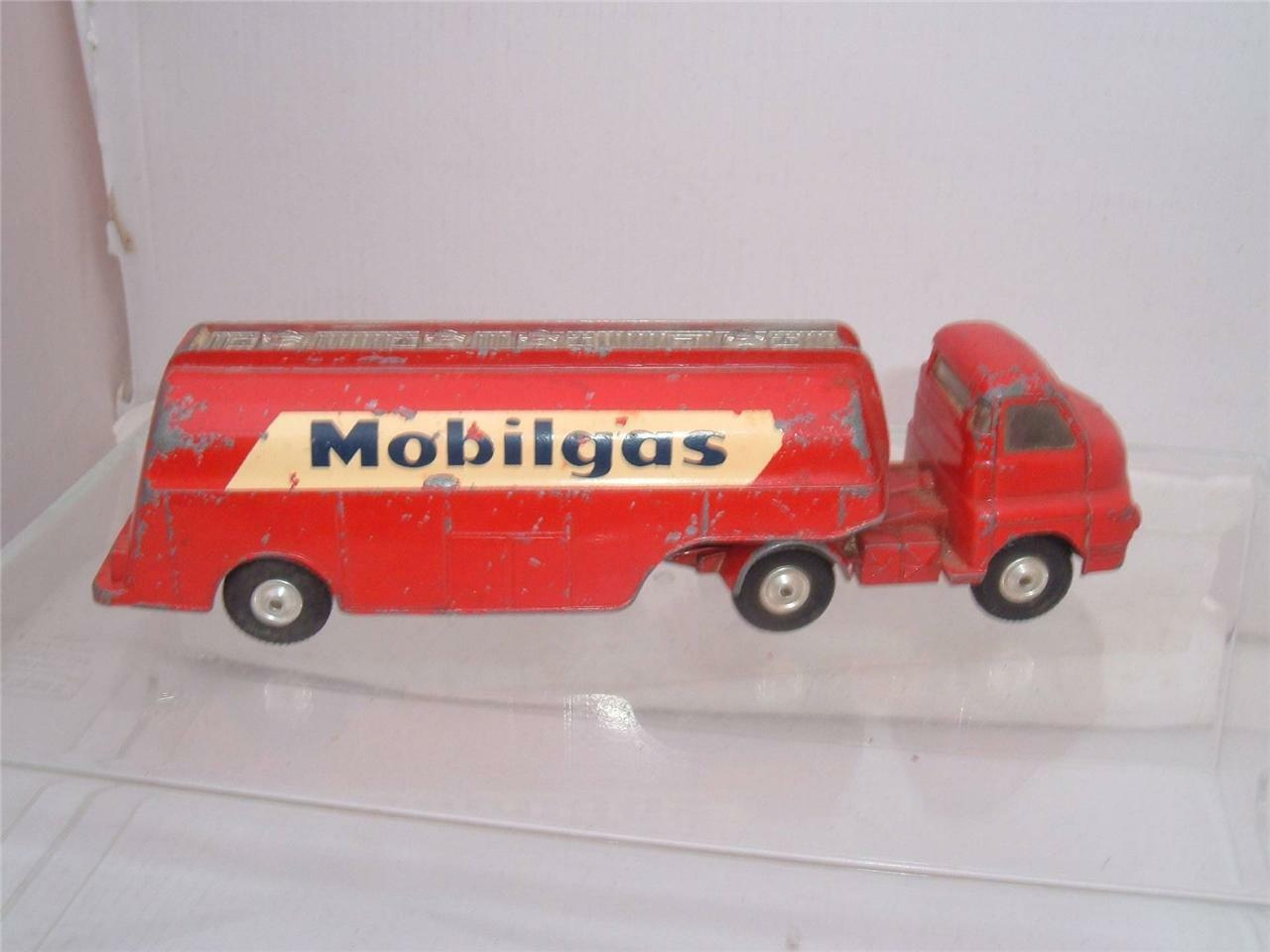 CORGI TOYS BEDFORD S TYPE MOBILGAS TANKER VINTAGE IN USED UNBOXED SEE PHOTOS