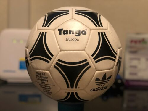 Adidas Tango Europa Official Match Ball de l'UEFA Euro CHAMPIONNAT D'ALLEMAGNE 1988