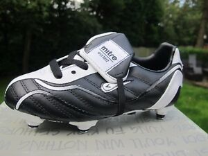 a22b42a851bf MITRE FRICTION JNR FOOTBALL BOOTS Screw In uk 12 eur 30.5 black ...
