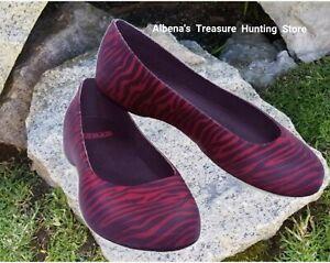 16575f0937b5 NWT CROCS ThermaLucent Women's Zebra Print Flats Raspberry/Mulberry ...