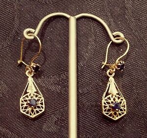 Vintage-14-K-Solid-Gold-Hand-Made-Filigree-Accents-Sapphires-Dangle-Earrings