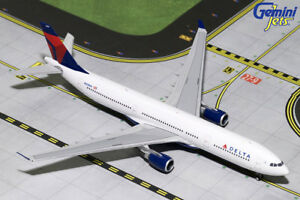 GEMINI-JETS-GJDAL1729-DELTA-AIRLINES-A330-300-1-400-SCALE-DIECAST-MODEL