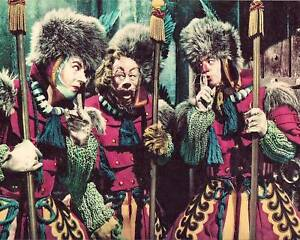 WIZARD OF OZ 8 x 10 IN GUARDS DISGUISES