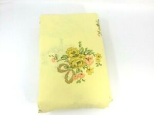 Vintage-FITTED-FULL-SHEET-Yellow-w-Orange-amp-Yellows-Flowers-and-Bows-Double