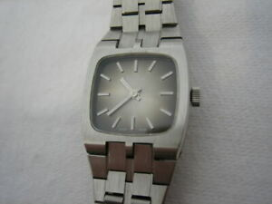 NOS-NEW-SWISS-MADE-MECHANICAL-HAND-WINDING-STAINLESS-STEEL-PHENIX-WATCH-1960-039-S