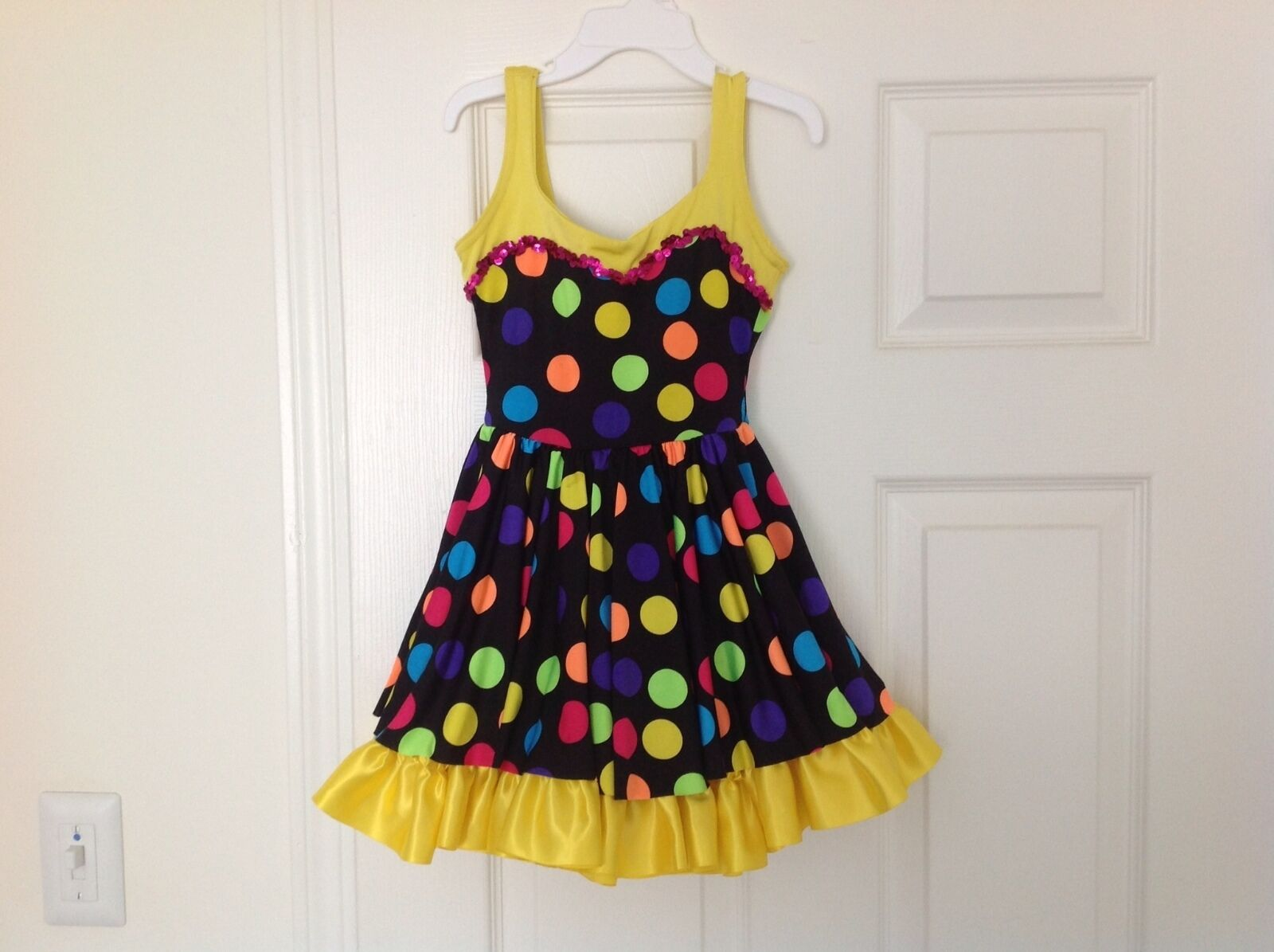 Girls Beautiful Vibrant Ice Figure Skating Dance Competition Dress Size S
