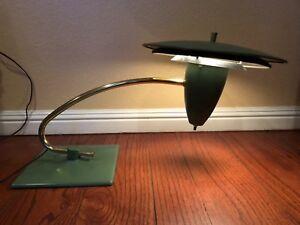 Vtg-M-G-Wheeler-Sight-Light-Industrial-Design-Table-Lamp-1950-039-s-Art-Deco-Green
