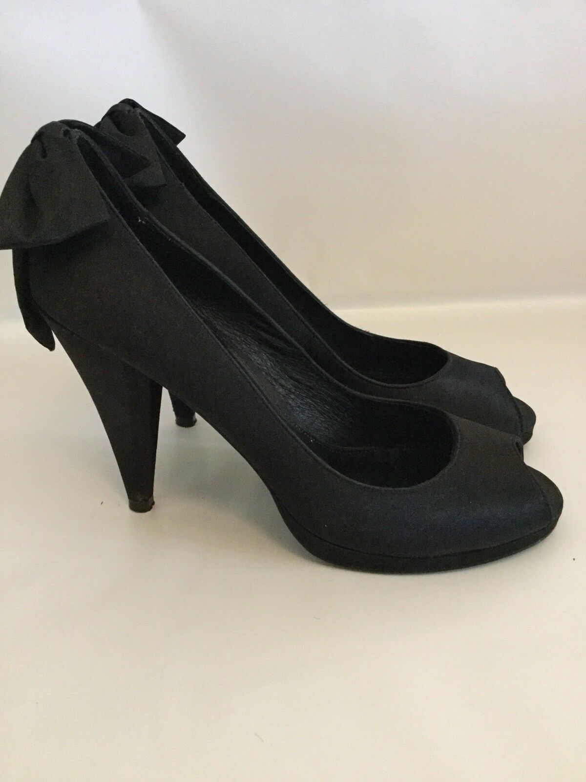 Mollini Ladies Tia Black Satin High Heels Size 40 EUC RRP $128