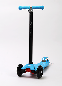 Maxi-Scooter-by-Uber-Scooter-Maxi-micro-style-Blue-New-Boxed-Tilt-n-Turn