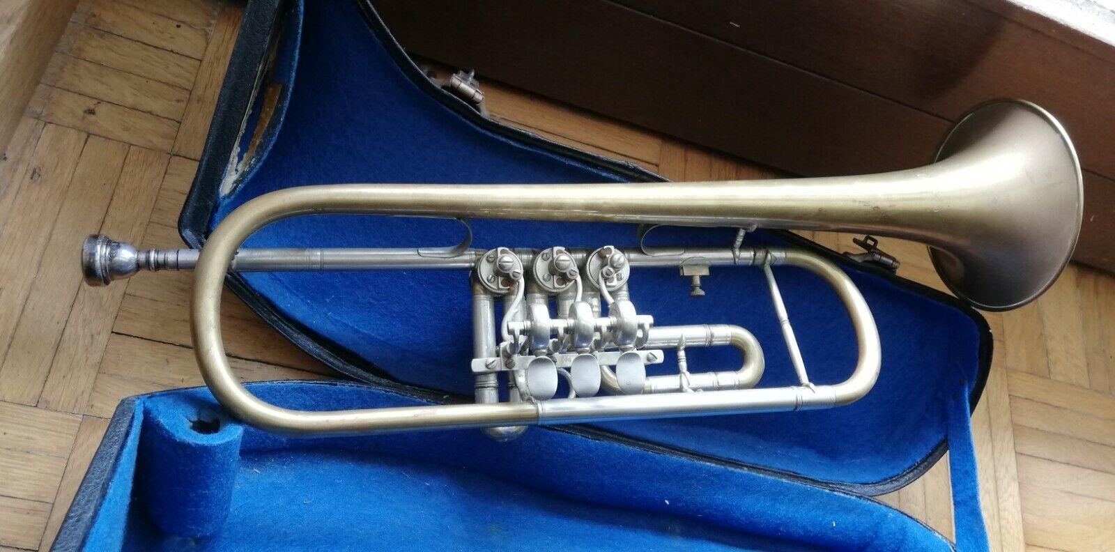 Biete altes Blasinstrument von Fa. Elaton 52 cm inklusive Tragetasche an.