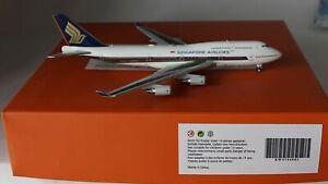 JC-Wings-EW4744003-Boeing-747-412-Singapore-Airlines-9V-SMS-En-1-400-Echelle