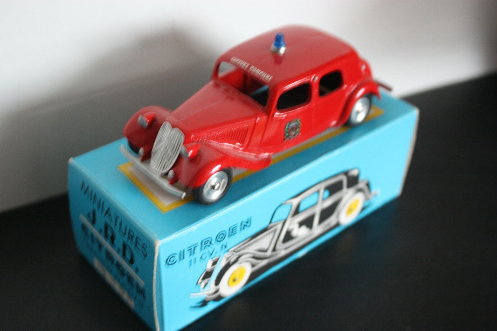 Rare miniatures jrd FRANCE citroen traction 11 firefighters paris new box