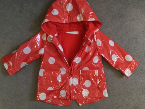 NEW M/&S RED WITH RAINCOAT WITH WHITE SPOTS /& HOOD PLUS ZIP OFF FLEECE LINING