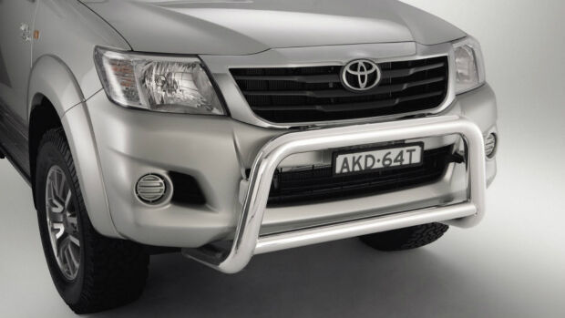 HILUX DELUXE STAINLESS STEEL NUDGE BAR 9/2011 TO 8/2015 **TOYOTA GENUINE PARTS**