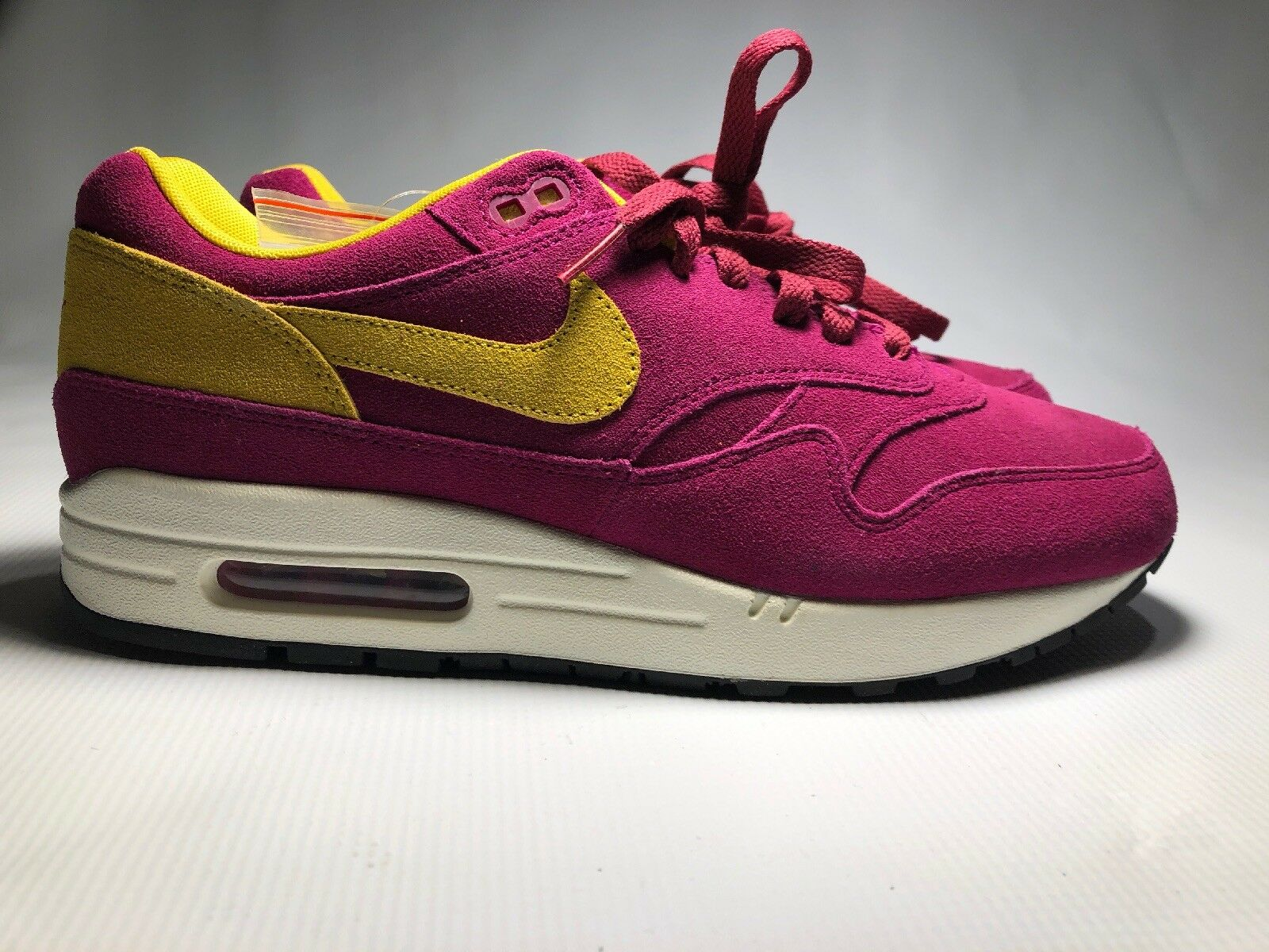 NIKE AIR MAX 1 PREMIUM DYNAMIC BERRY  30TH ANNIVERSARY   SZ 9.5   875844 500