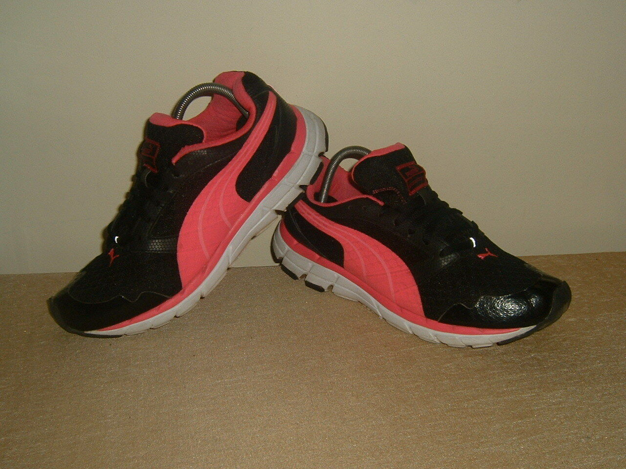 Puma Poseidon Femmes âgées Fille Noir/Rose Running Baskets Chaussures 39 UK 3