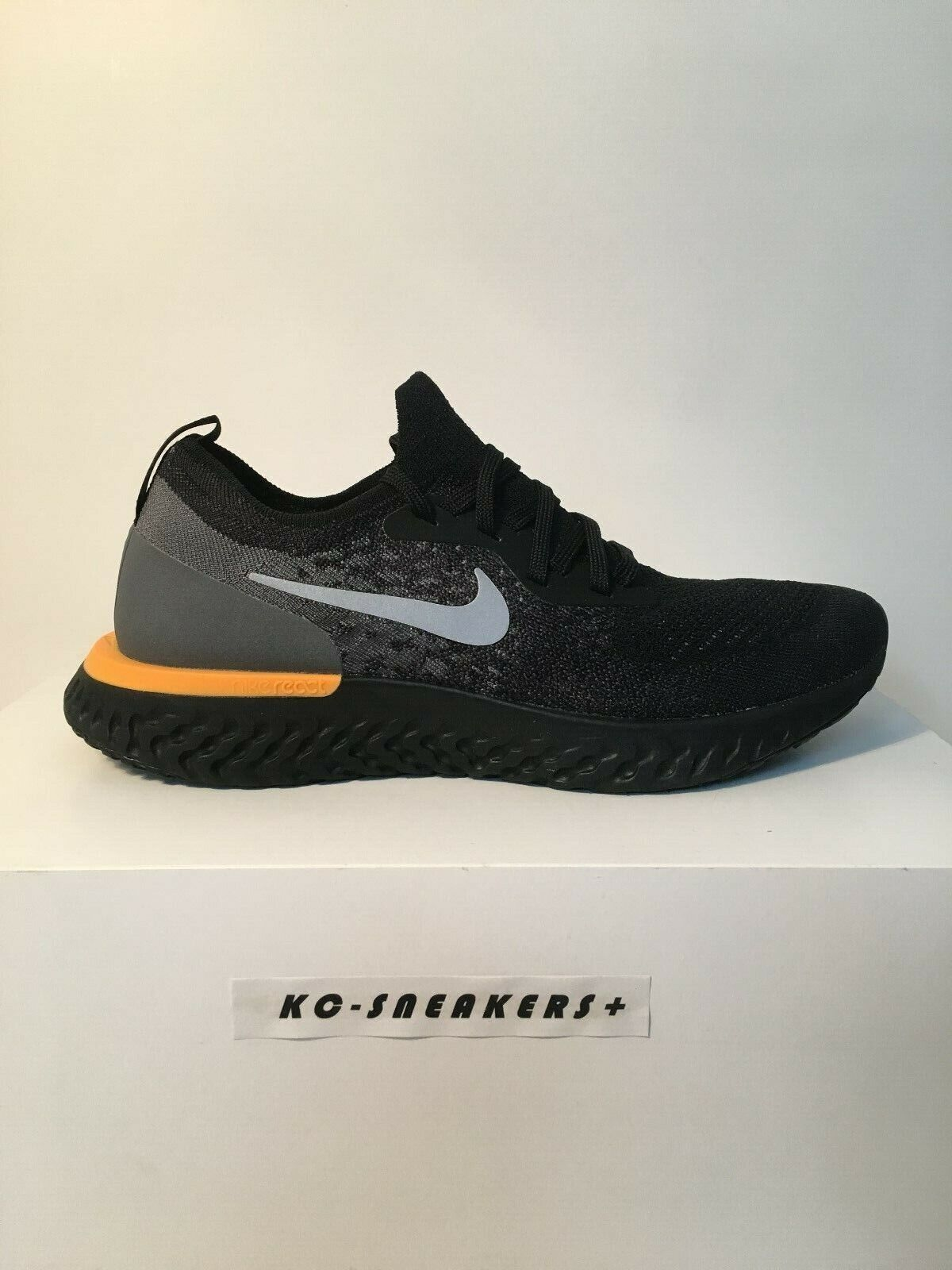 Nike Epic React Flyknit    US 10    EUR 44   NEU