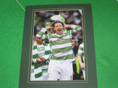Celtic Kris Commons Signed & Mounted 2015 Scottish League Cup Winners Photo