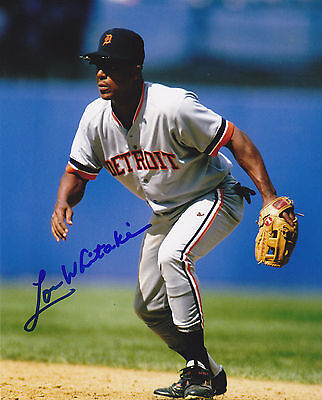 LOU WHITAKER   DETROIT TIGERS   ACTION SIGNED 8x10