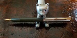 Parker-grey-Mechanical-Pencil-chrome-and-gold-filled-clip