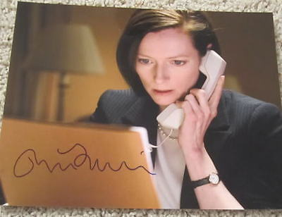 Photographs Latest Collection Of Tilda Swinton Signed Michael Clayton 8x10 Photo W/proof Modern And Elegant In Fashion