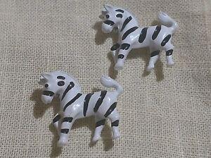 2-Brooch-Brooches-VTG-Estate-Pin-Black-White-Striped-Zebras-Pair-Twins-Enameled