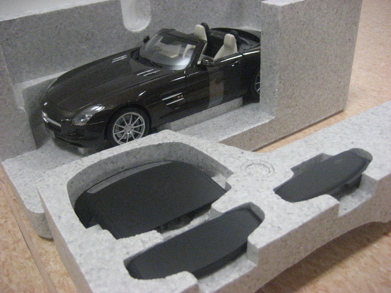 MERCEDES MERCEDES MERCEDES SLS Roadster Marrone 1:18 Minichamps Nuovo + OVP 1a42d2